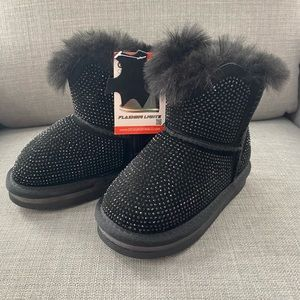 Baby girl/ toddler leather winter boots size 8